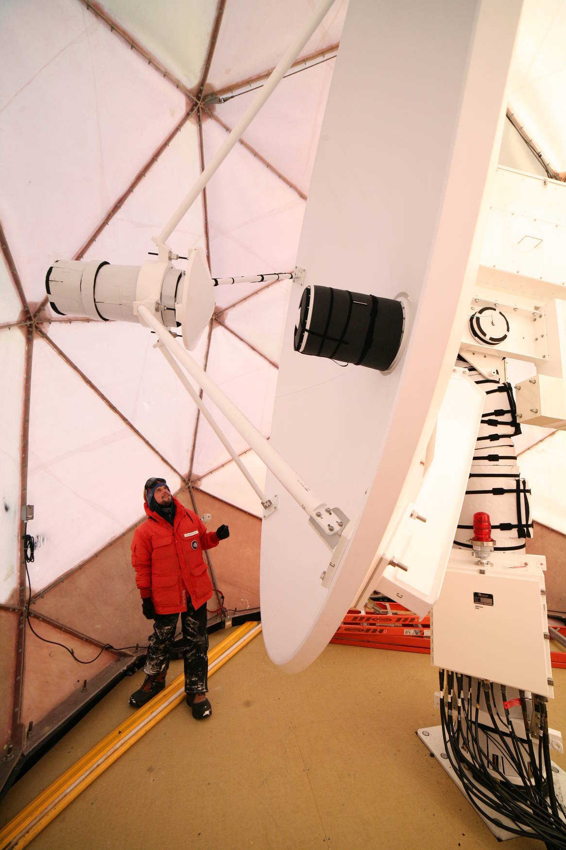 The SPTR antenna is 5 meters in diameter.