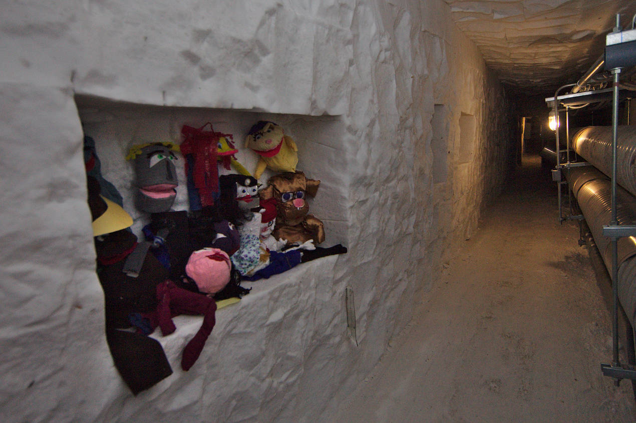Ice shrines along the walls of the first tunnel section commemorate items of particular interest to different seasons.
