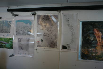 Maps showing the route that the south pole traverse takes.