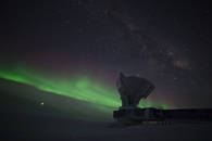 Taken in -60°C, this picture shows the South Pole Telescope illuminated by the Milky Way and some of the first aurora australis of the winter season 2017. Jupiter is brightly visible on the lower left, Saturn is to right of the telescope dish.